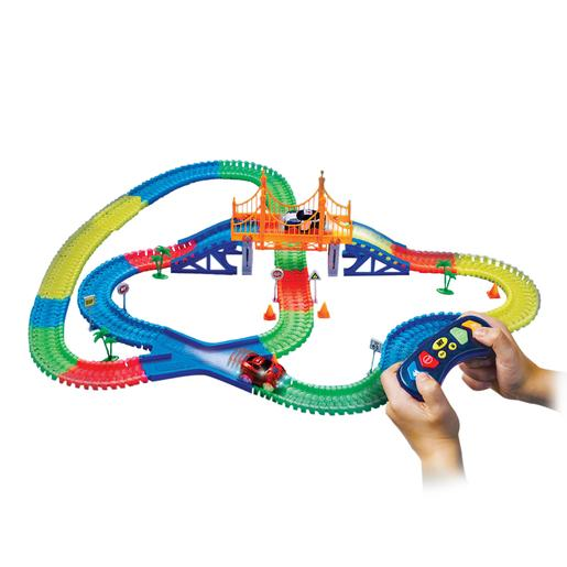 Magic Tracks - Radio Control Gigakit